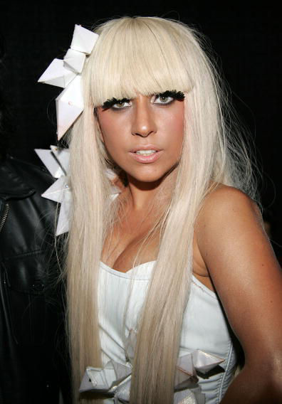 https://musicamagia.files.wordpress.com/2009/10/lady_gaga.jpg