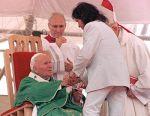 robertocarlos-John_Paul_II_Brazil_1997_1