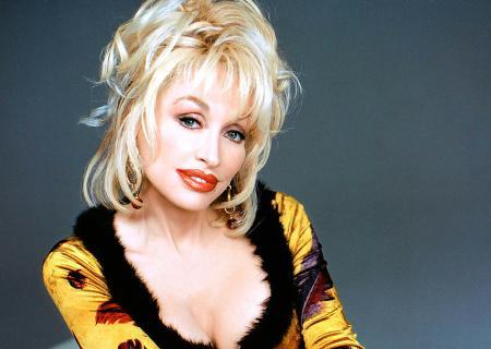 Dolly Parton<BR>Nasceu em 19 de janeiro de 1946