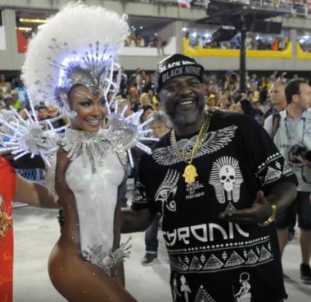 Mr. Catra e a rainha de bateria da Estácio de Sá 2017, Luana Bandeira